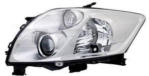 Левая фара Тойота Аурис 07-09 электро регулировка hb3+h11 без корректора. крепеж -ichikoh / TOYOTA AURIS (2007-2012)