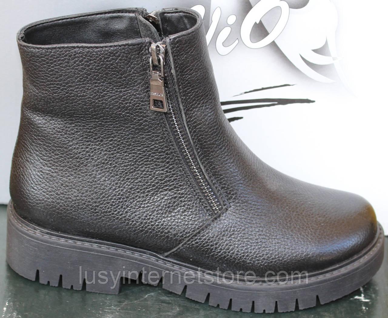 Ботинки зимние кожаные женские на низком каблуке от производителя модель САВ130К