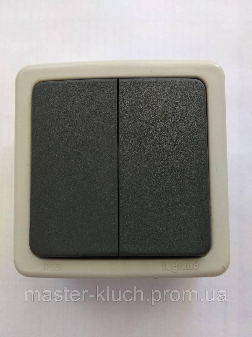 Выключатель влагозащищённый двухклавишный IP55 Legrand Plexo