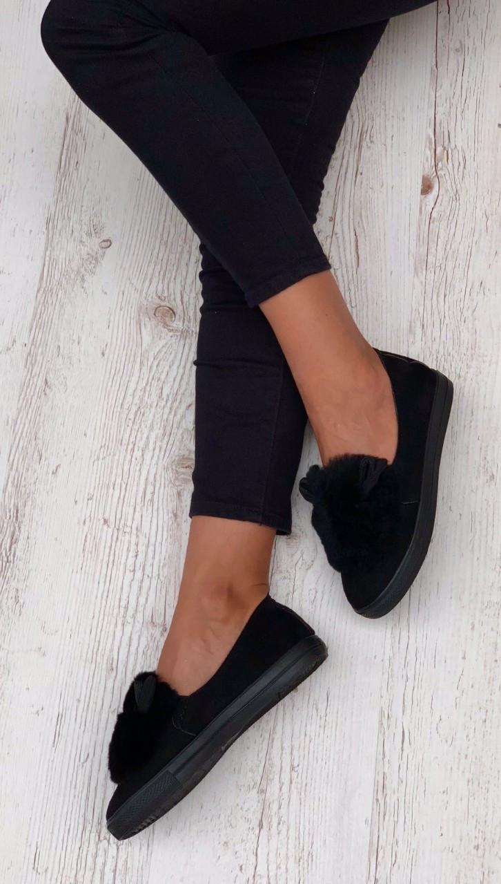 Женские кроссовки на флисе
