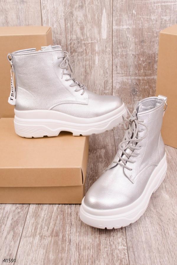 Женские осенние ботинки серебристые эко кожа