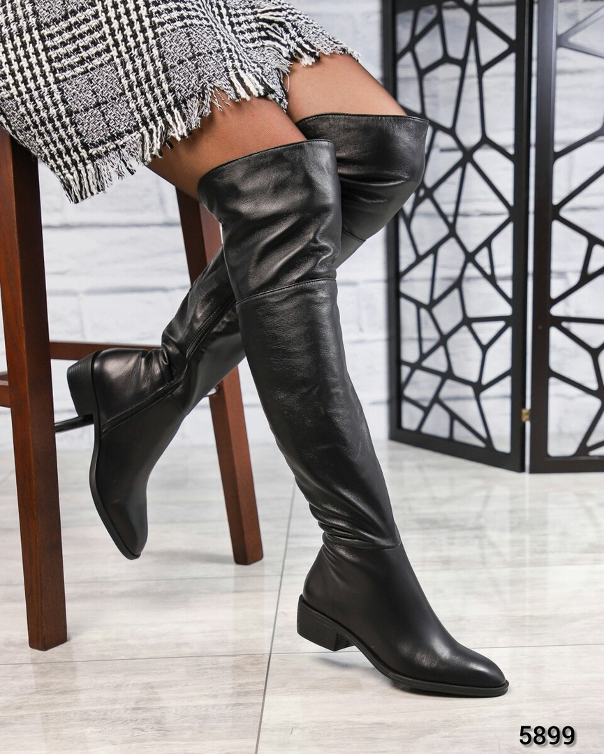 Демисезонные ботфорты кожаные черные