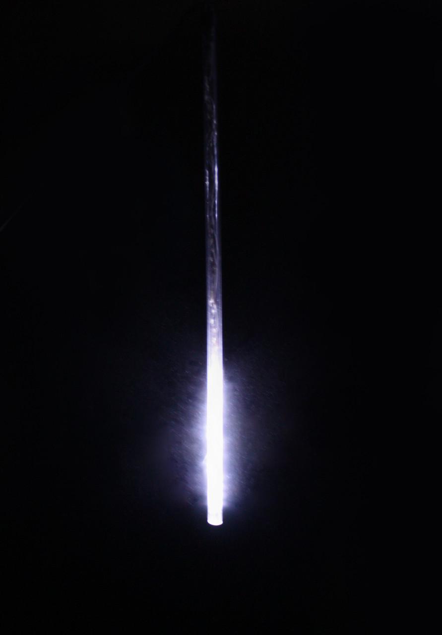 Светодиодное украшение Падающий снег Lumion 48 led 0,8 м наружный цвет белый