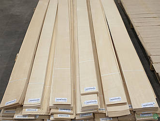 Шпон Ясень Білий Европейський - 0,6 мм I гатунок - довжина від 2 до 3.80 м / ширина от 10 см+