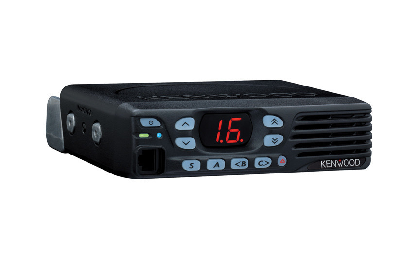 KENWOOD TK-D840E DMR аналогово-цифровая радиостанция