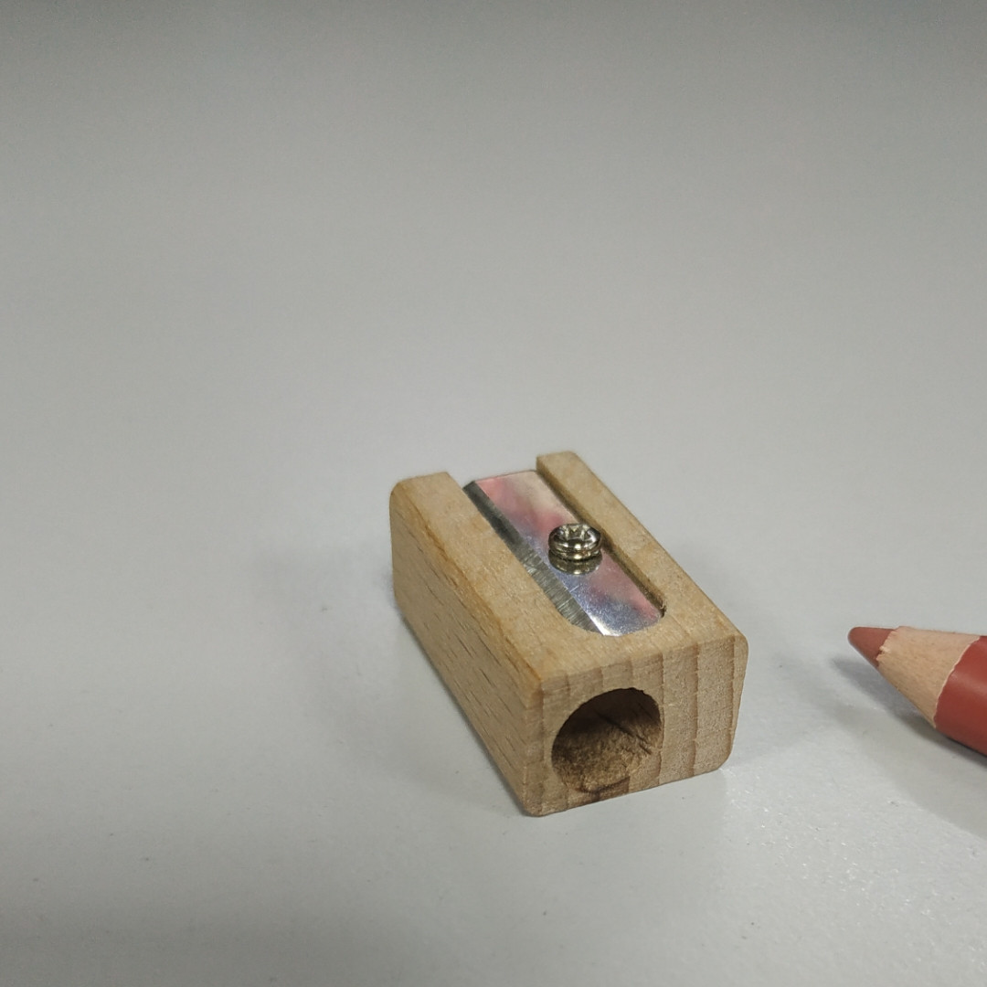Точилка для косметических карандашей