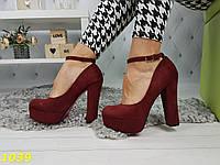 Туфли на толстом широком каблуке с застежкой цвета марсала бордо