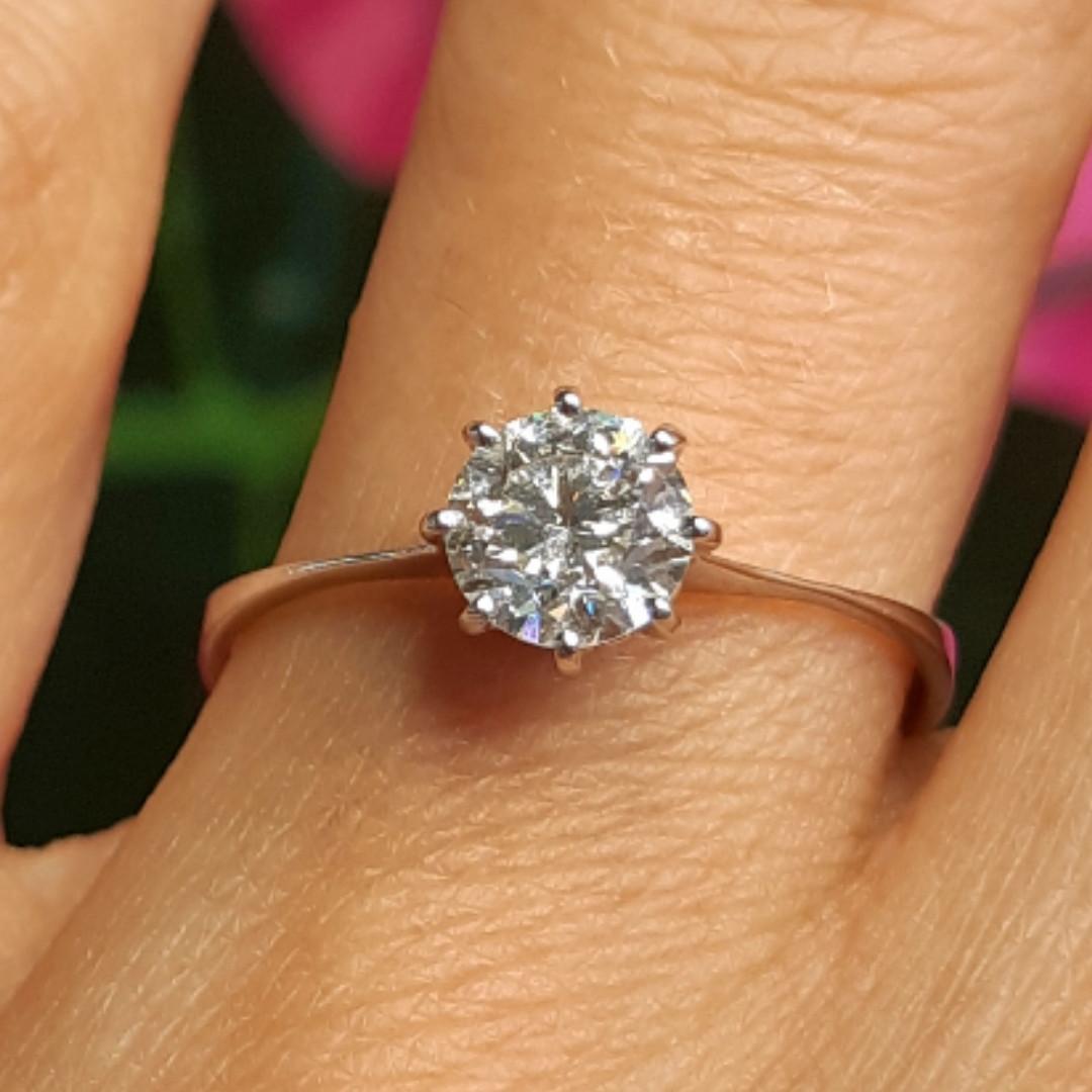 Кільце з білого золота з діамантом 0.73 карат 18 р