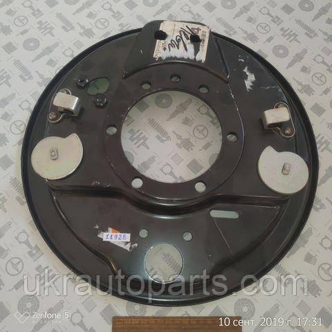 Щит опорный тормоза ГАЗ 3307 3309 4301 заднего правый (3309 без АБС) (ОАО ГАЗ) (33078-3502012)
