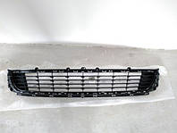 Решітка (решетка) бампера Рено Меган 3 2012-2013рр
