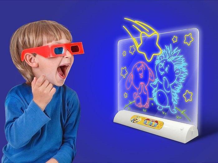 Доска для рисования Toy 3D Magic развивает воображение у ребенка