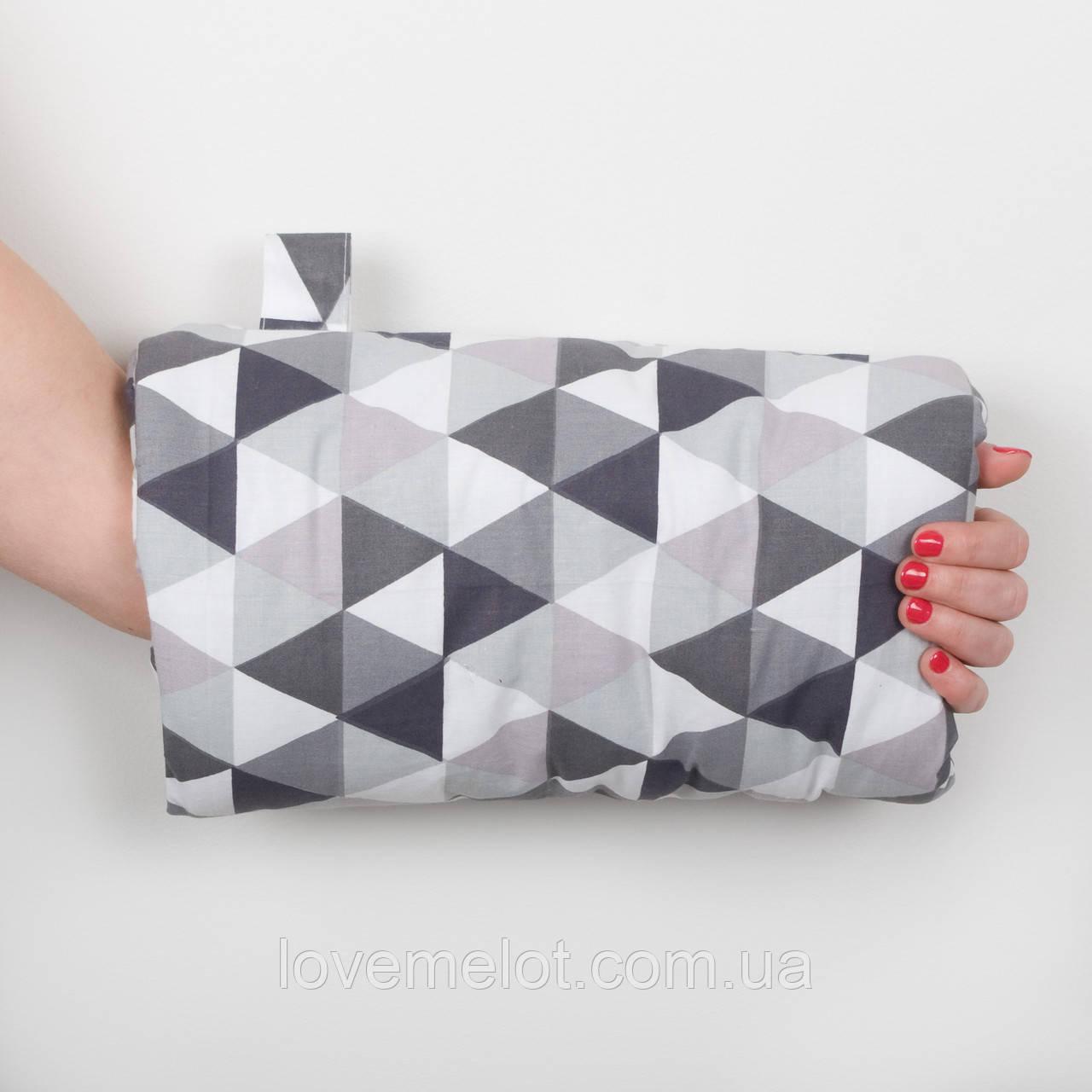 """Подушка-муфта для кормления ребенка """"Треугольничек"""""""
