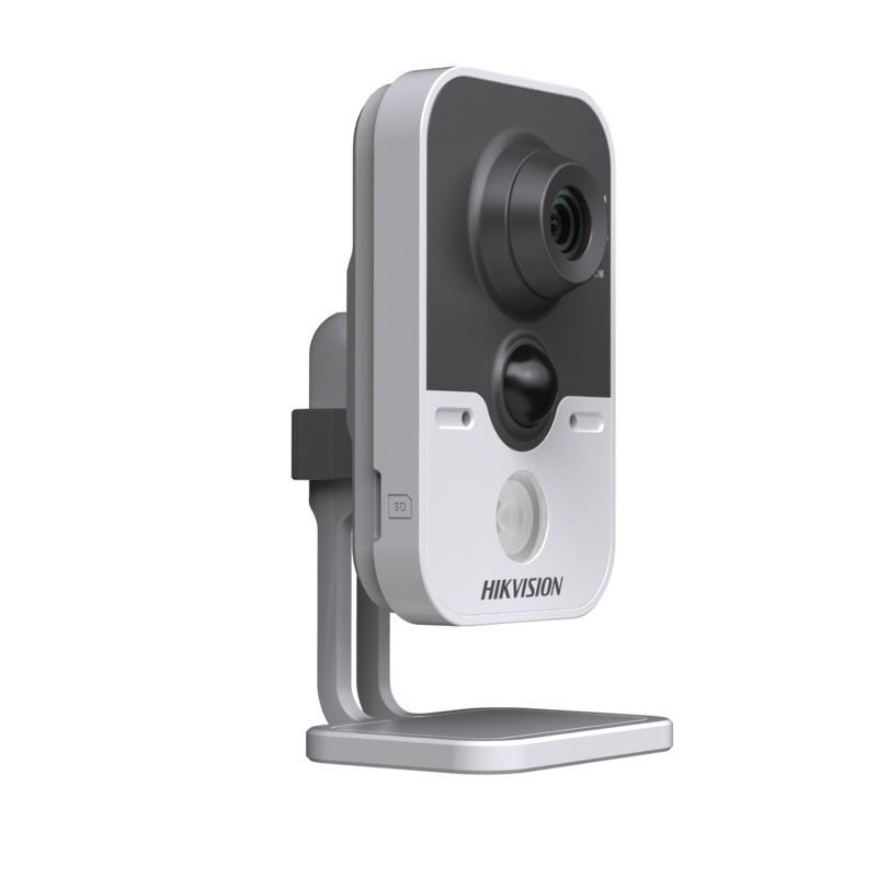 IP відеокамера Hikvision DS-2CD2410F-IW (2.8 мм)