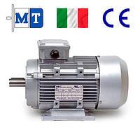 Электродвигатели асинхронные трехфазные. Исполнение- на лапах и с фланцем. 3000 об/мин, 1.1 кВт