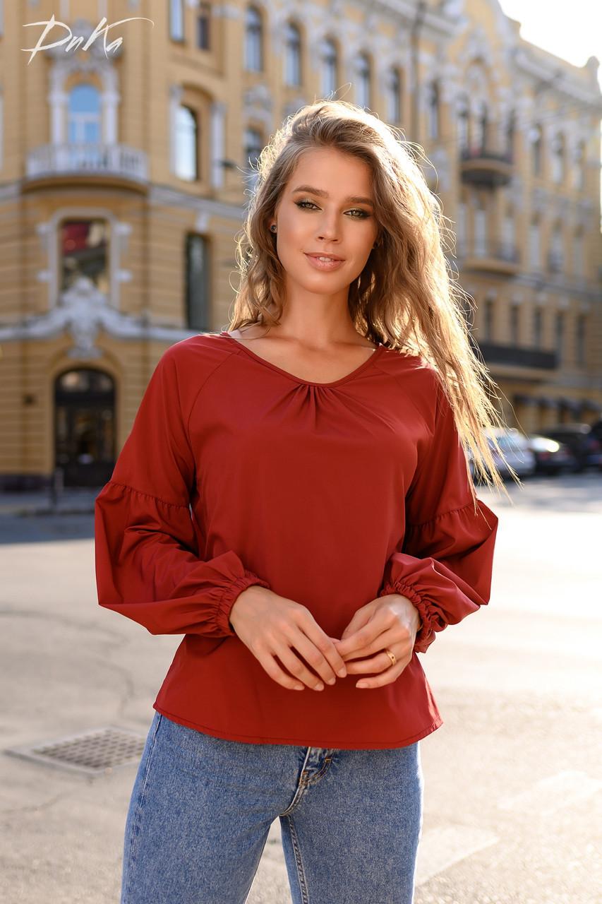 Хорошенькая блуза свободного кроя