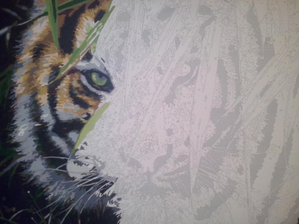 Ну и взгляд... Сколько рисую картин не устаю удивляться- неужели это я нарисовала такую красоту...