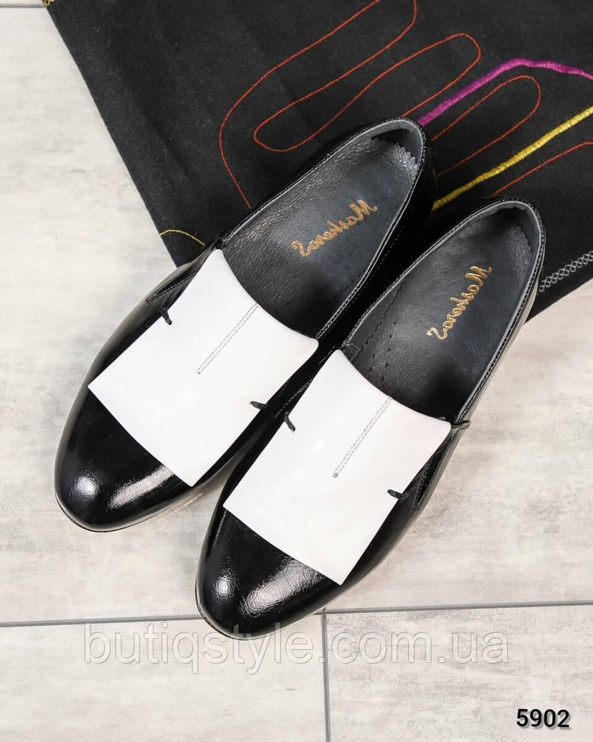 37, 39 размер Женские туфли черные с белым натуральная лаковая кожа на низком ходу