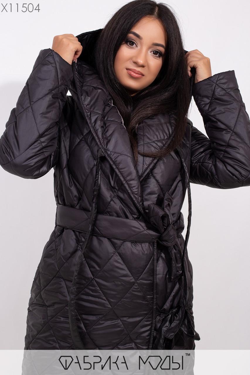 Стеганное пальто на подкладе с капюшоном и шалевым воротником, на запах с  двумя завязками и съемным поясом X11504