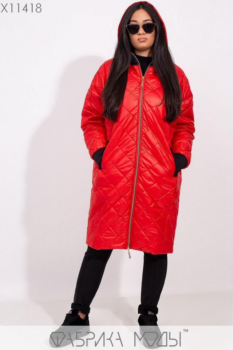 Пальто-стежка прямого кроя с капюшоном, рукавами на манжете и прорезными карманами X11418