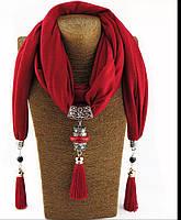 Шарф трикотажный 170х40см с подвеской и кистями Красный цвет