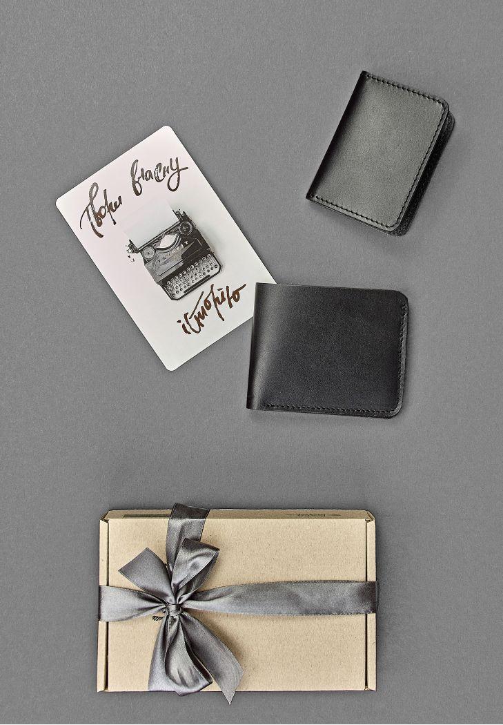 """Мужской подарочный набор кожаных аксессуаров """"Нью-Йорк"""": портмоне и кард-кейс. Цвет черный"""
