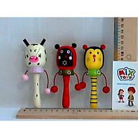 Деревянная игрушка Погремушка-барабанчик W02-4320  6цв.13см(W02-4320)