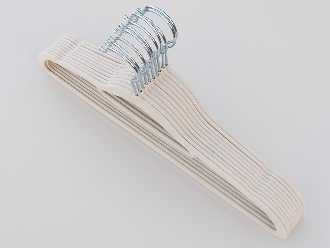 Плечики длина 41,5 см, в упаковке 10 штук, бежевого цвета, тремпеля вешалки флокированные
