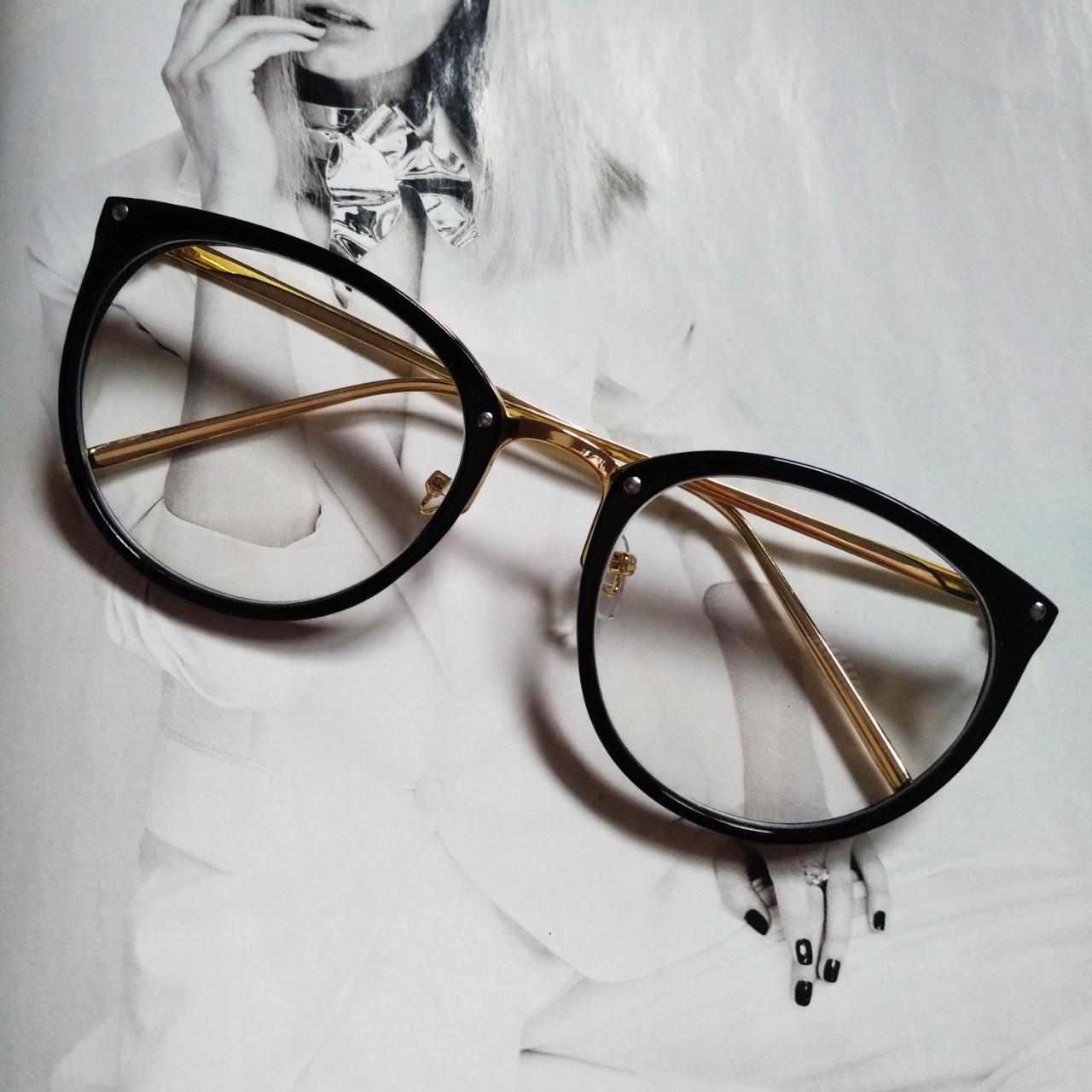 Имиджевые очки в золотой оправе Чёрный