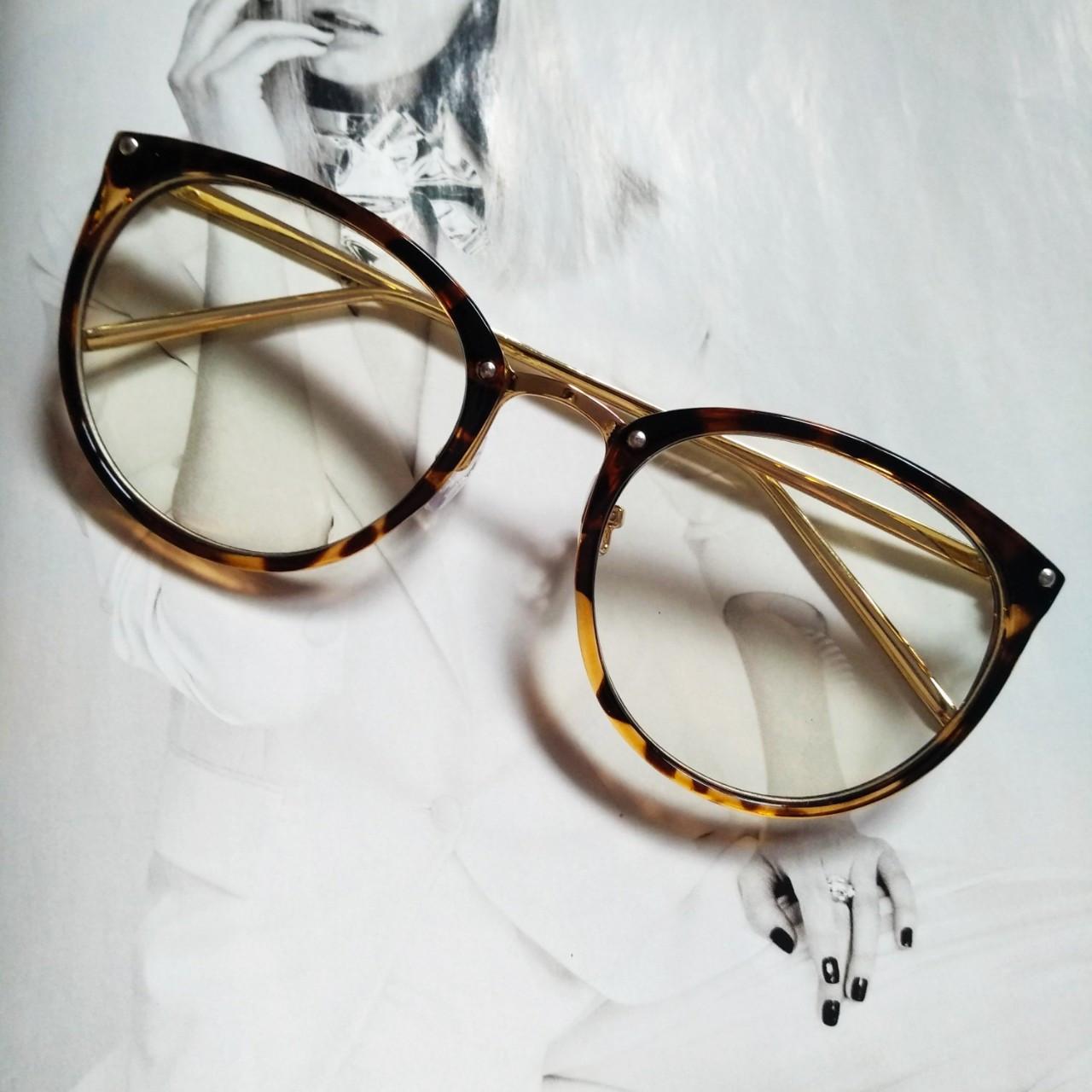 Имиджевые очки в золотой оправе Леопард