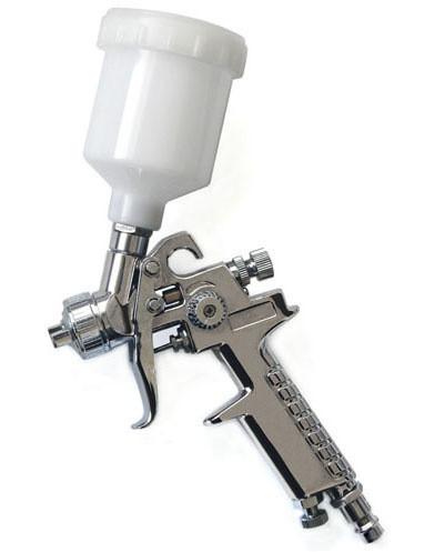 Нанесение клея возможно двумя способами: кистью и пульверизатором.
