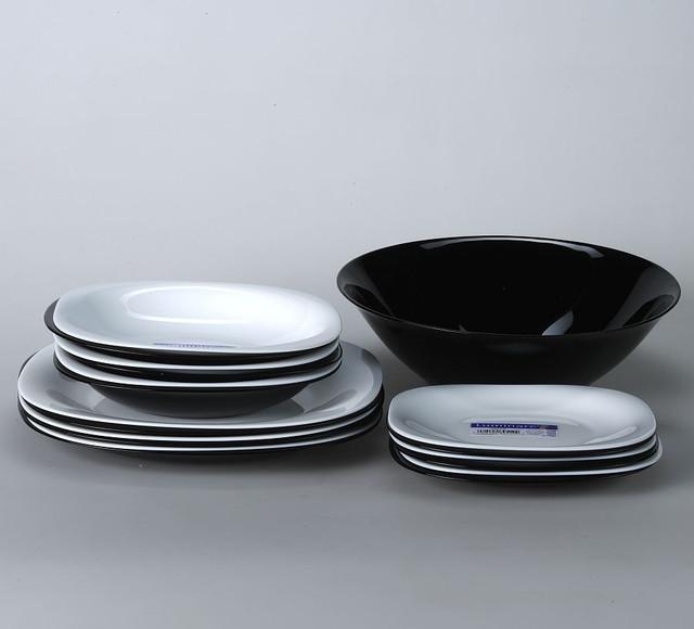 Столовые наборы посуды