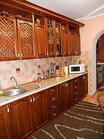 Кухня з фасадами за натурального дерева