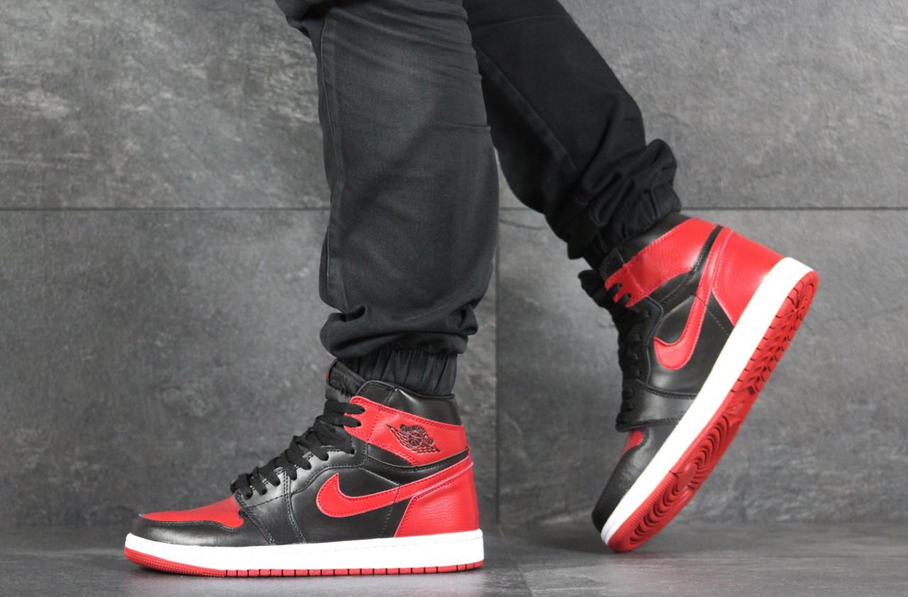 Кросівки чоловічі в стилі Nike Air Jordan 1 Retro High OG чорні з червоним    ТОП якість