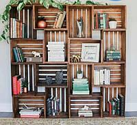 Книжный шкаф из деревянных ящиков