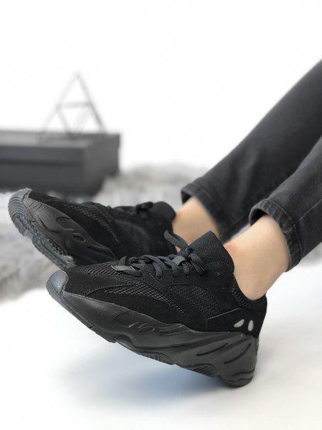Черные женские кроссовки Yeеzy 700 Analog