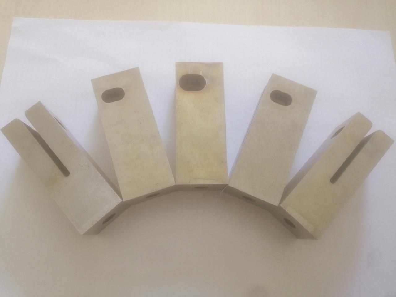 Матрицы  дыропробивные штампа окно 14,5 х 9