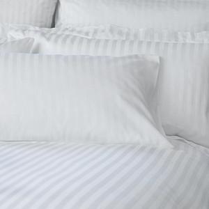 Комплект постельного белья полуторный страйп-сатин УкрЮгТекстиль белый