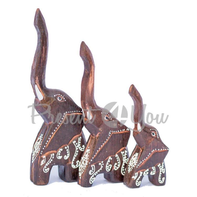 Деревянная статуэтка «Семья слонов расписанных», h-24, 20, 15 см. (60038e)
