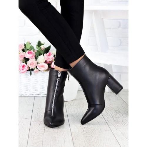 Женские кожаные демисезонные ботинки ботильоны на каблуке с молнией впереди