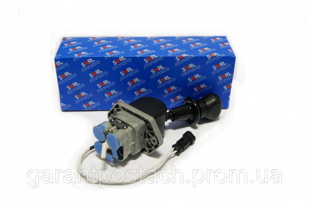 Кран ручного тормоза КамАЗ 3-х выводной с датчиком на панель (SORL) 35260051140 / 9617231570
