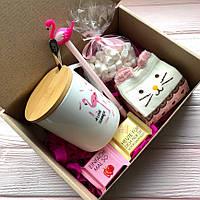 Подарок  для девушки, подруги, мамы с чашкой фламинго