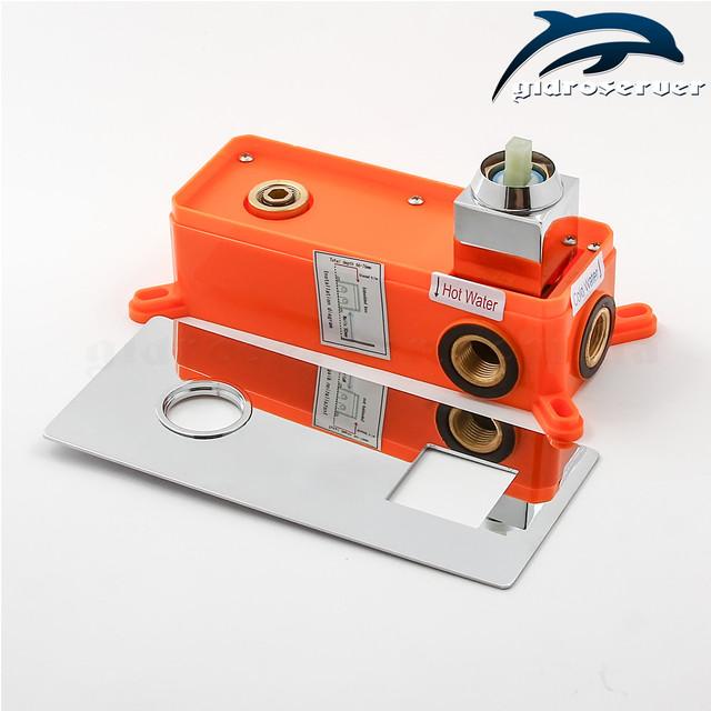 Встраиваемый смеситель для раковины KGR-01 с горизонтальной установкой в стене сантехнического узла.