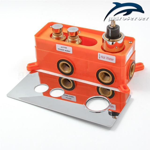 Смеситель скрытого монтажа термостатический GTB-02 с монтажным боксом (iBox).