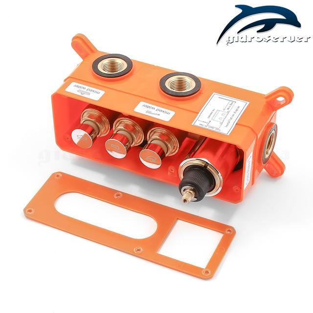 Смеситель для скрытого монтажа термостатический GTB-03 с монтажным боксом (iBox).