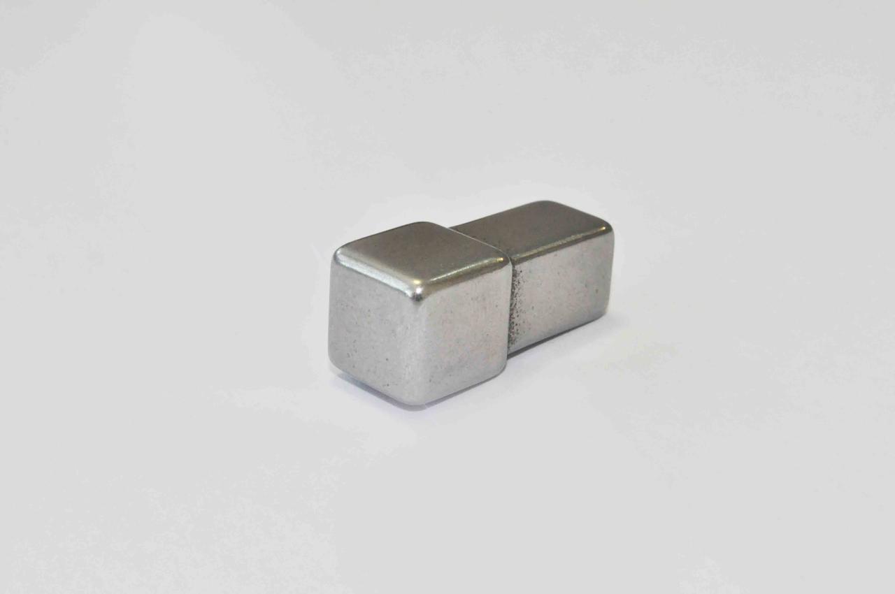 Заглушка Pawotex для профиля STQ11 из нержавеющей стали