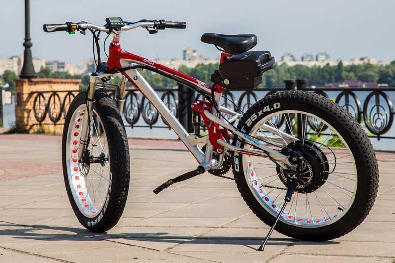 Электровелосипед BMW ELECTROBIKE RD (красно-белый)  модель 2017 года (5000950024)