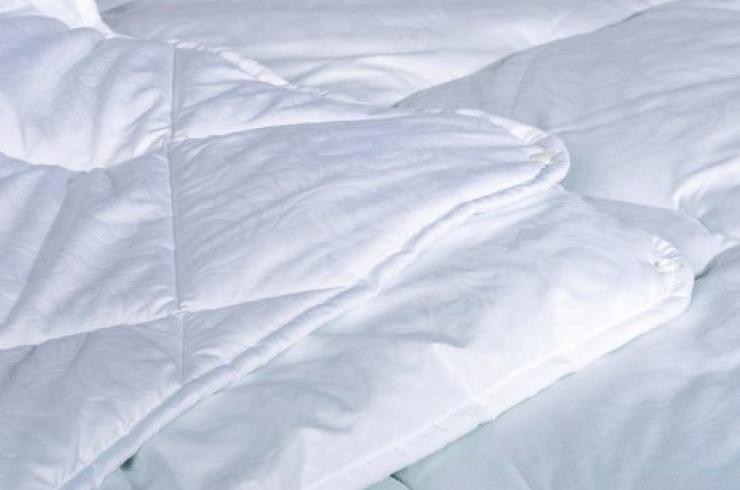 """Одеяло """"Зима - Лето"""" на кнопках закрытое однотонное холлофайбер (Микрофибра) Двуспальное Евро T-54828"""