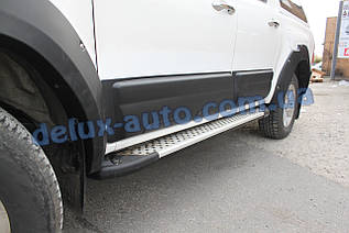 Боковые пороги площадки алюминиевые soma на Toyota Hilux 2015+ Пороги площадки Сома на Тойота Хайлюкс 2015+