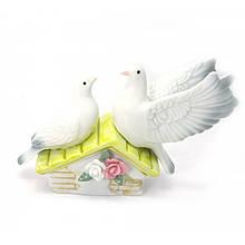 Статуэтка Пара нежных голубей из фарфора