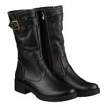 Кожаные сапоги черного цвета с декоративной пряжкой